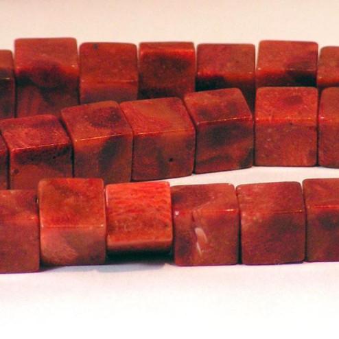 Koraal, rood, kubus, 8 mm, per streng