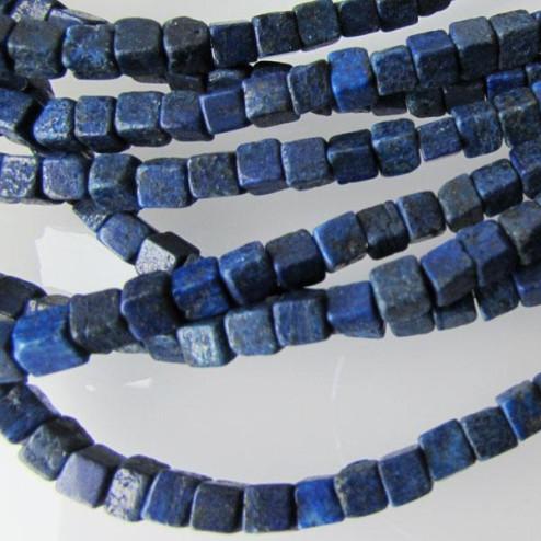 Lapis Lazuli, kubus, 4 x 4 x 4 mm, per streng