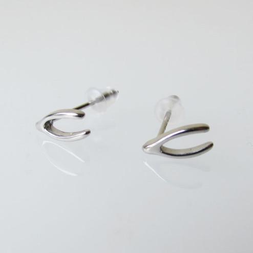 Sterling zilveren (925) oorsteker, wishbone, per paar