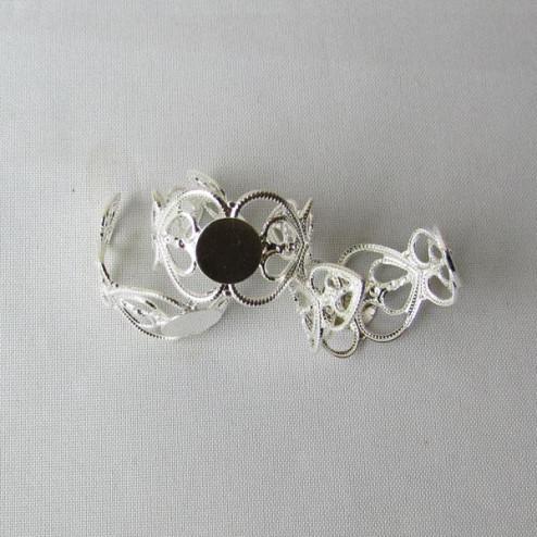 Zilverkleurige bewerkte ring met 8 mm plaat, verpakt per stuk