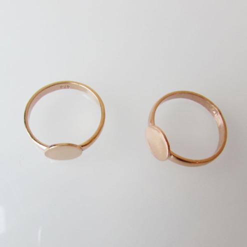 Roze gouden ring met plaat (doorsnee 8 mm) ,  maat 17,  breedte 2.5 mm, 1 micron plated, verpakt per stuk