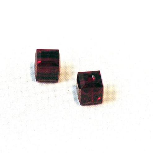 Swarovski® kubus kraal, 6 x 6 x 6  mm, Dark Siam, verpakt p. 6 stuks