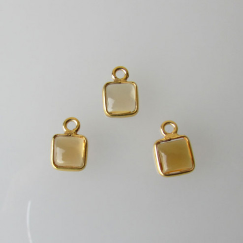 22 K Goud vermeil bedeltje, vierkant, 6-6.5 mm, CITRIENsteen, per stuk