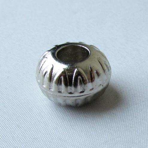 Zilverkleurige metallook kraal , 18 x 11 mm, grootgatskraal, per 10 stuks