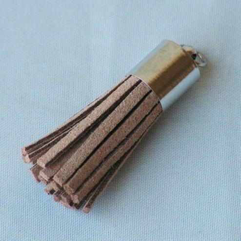 Suede kwastje,  lichtbruin, 38 mm, per stuk